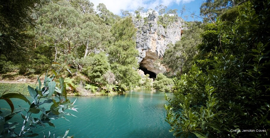 Blue Mountains Jenolan Caves Tour Blue Lake